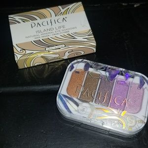 eyeshadow palette by Pacifica